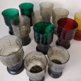 Doze copos diversos