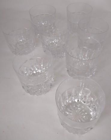 Oito copos de uisque